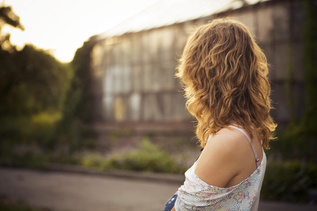 くせ毛の似合う女の子