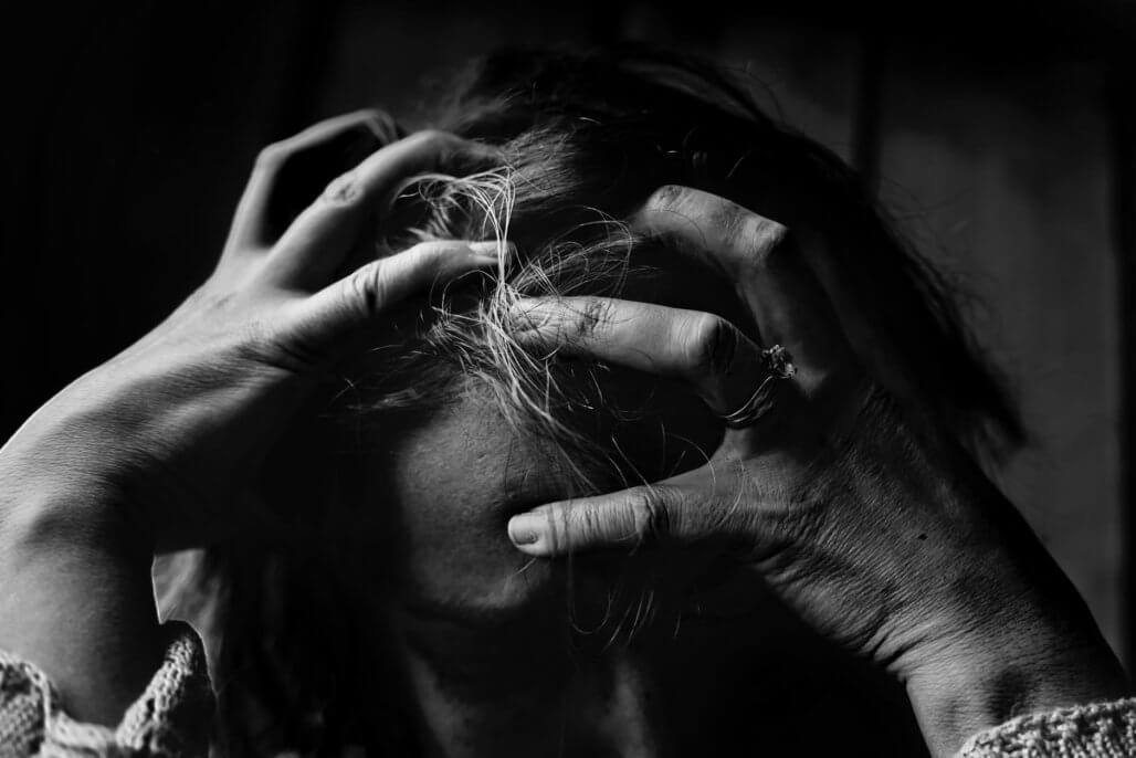 【頭皮の痒みやフケをなくす!】頭皮が乾燥する原因と対策を一挙公開