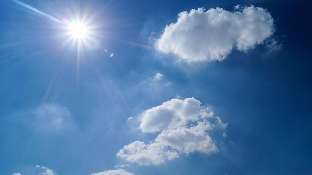 紫外線が及ぼす頭皮への影響とは?薄毛や白髪の原因にも!?紫外線ダメージの対策方法