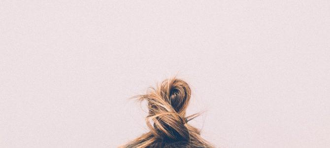【乾燥するのは肌だけじゃない!】冬のパサパサ髪の原因と対策を徹底解明